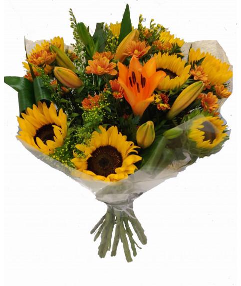 זר פרחים עם חמניות