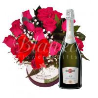 ורדים אדומים עם שמפניה מרטיני