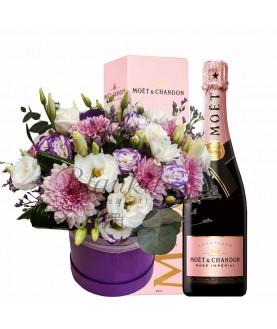 סידור פרחים עם שמפניה